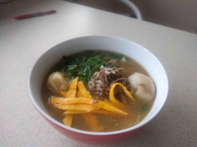 Tteok-manduguk  (Rice cake dumpling Soup)