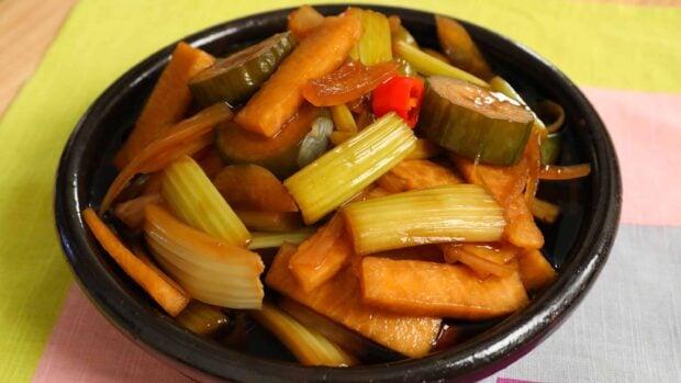 Cooking korean food with maangchi korean cooking recipes videos la style korean picklesla jangajji la forumfinder Gallery