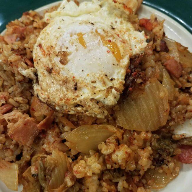 Kimchi fried rice / 김치볶음밥