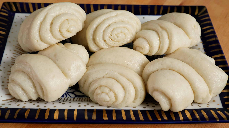 kkotppang (steamed flower-shaped buns)