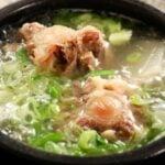 oxtail soup (sokkoritang: 소꼬리탕