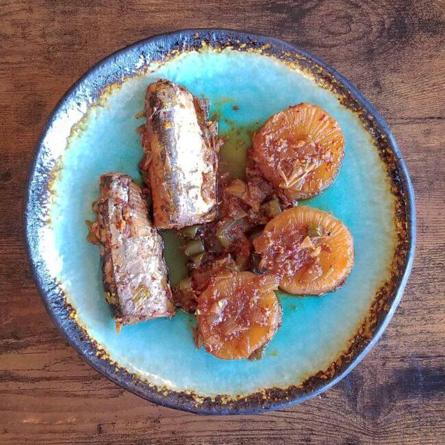 Braised mackerel with radish / godeungeo-jorim