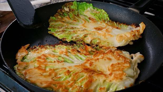 Korean cabbage pancake