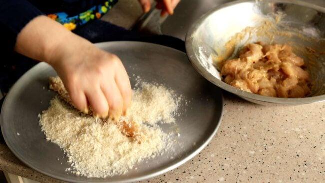 chicken coating with breadcrumbs