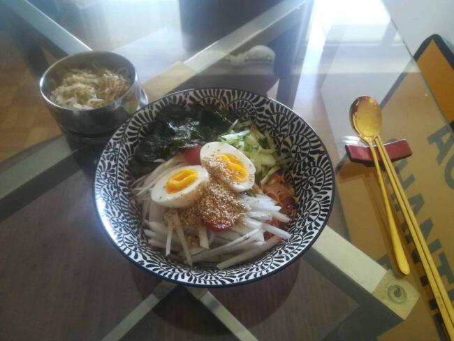 spicy cold noodles (bibim-guksu)