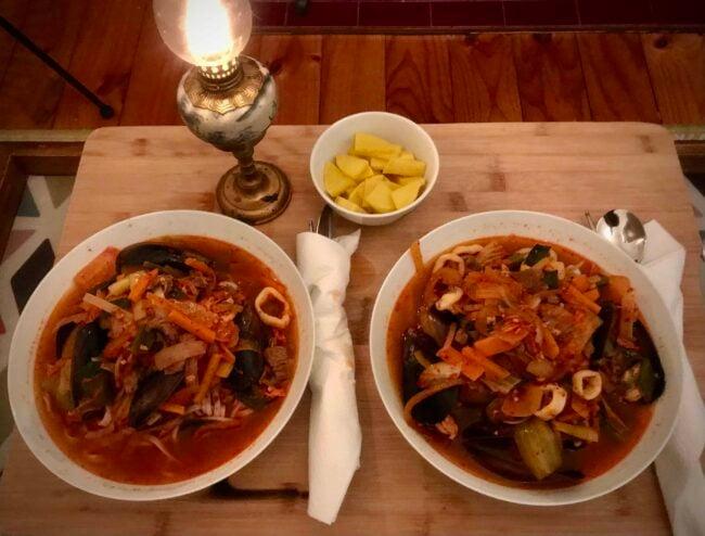 Time for Jjamppong (Korean spicy seafood noodle soup)!